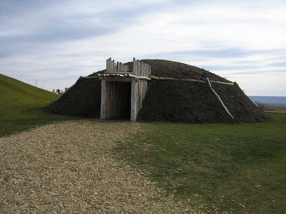Mandan earth lodge, US Army Center of Military History photo